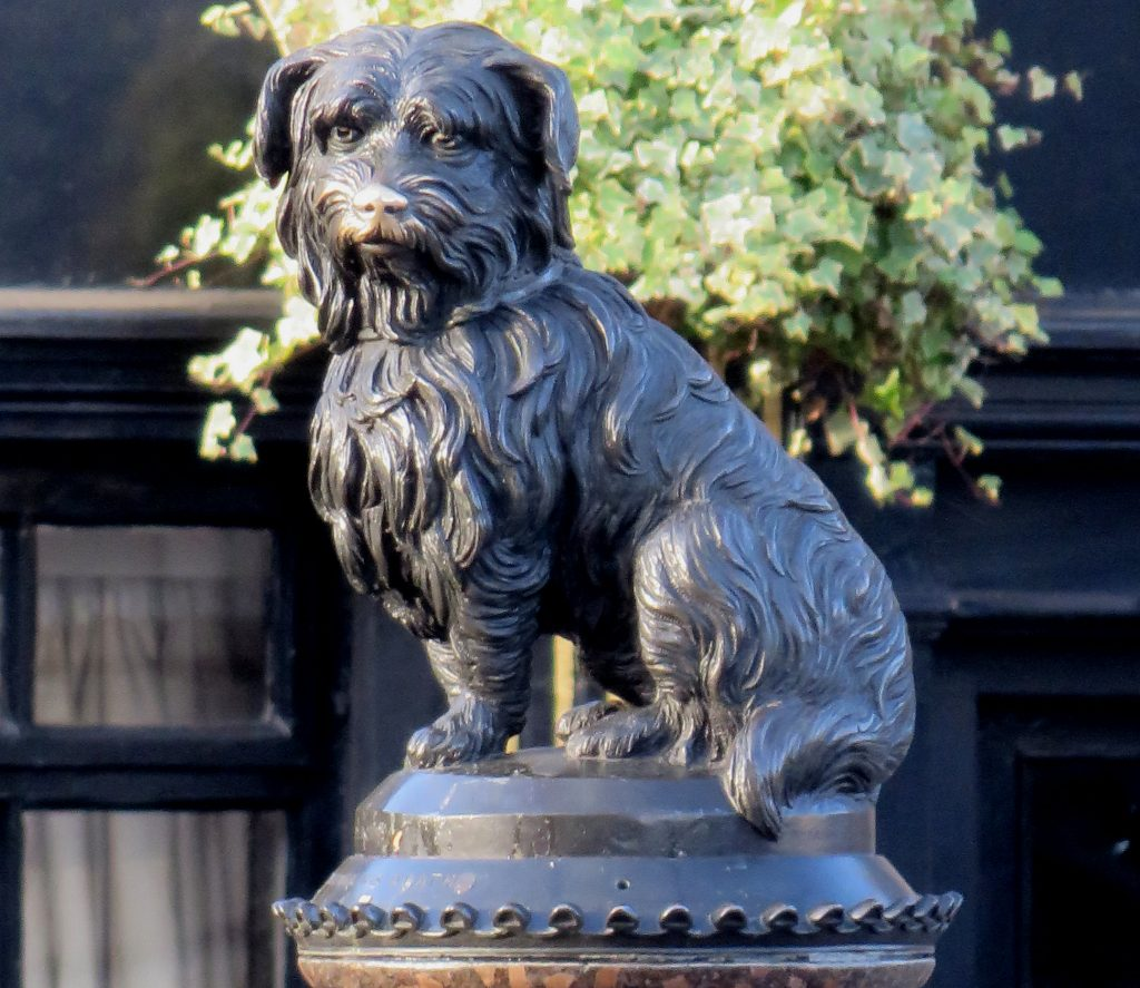 A bronze statue of a small dog, Greyfriars Bobby